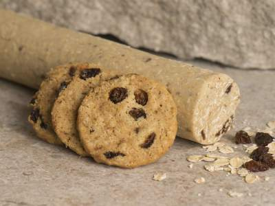 Rolled oats raisins cookie